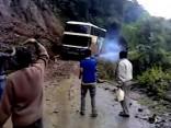 Autobusa avārija uz pasaulē bīstamākā ceļa
