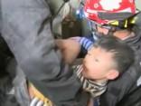 Taivānā septiņgadīgu zēnu izglābj no zemestrīcē sagrautas ēkas