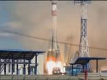No Krievijas jaunā kosmodroma pirmo reizi palaista raķete ar satelītiem
