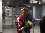 Justa sagaidīšana lidostā, atgriežoties no Eirovīzijas