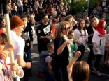 Running Man Challenge flešmobs Ghetto Games atklāšanā