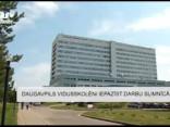 Daugavpils vidusskolēni iepazīst darbu slimnīcā