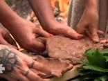 «Līgo mežā» receptes: mālos cepta medījuma gaļa