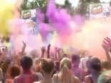 """Kijevā norisinājies krāšnais """"Holi krāsu festivāls"""""""