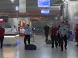 Ataturka lidosta pēc sprādzieniem