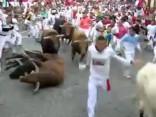 Svētā Fermina vēršu skriešanas festivālā vairāki savainotie