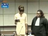 Naomi Kempbela sniedz liecības Libērijas diktatora lietā