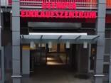 Minhenē apšaudē vismaz 9 bojā gājušie; šāvējus vēl meklē