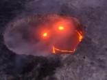 """Iespaidīgi: """"Kīlauea"""" vulkāns pasaulei velta """"ļaunu smaidiņu"""""""
