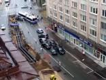Rīgā trolejbuss ietriecas vairākās automašīnās