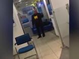 Bankā Maskavas centrā sagrābti ķīlnieki