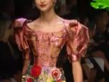 """""""Dolce & Gabbana"""" tropu šovs Milānas modes nedēļā"""