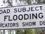 Austrāliju piemeklējusi postoša vētra; miljons saimniecību bez elektrības