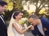 Toms Henkss kāzās