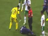 Noskaties: Kad vārtsargs noguris no futbolistu tēlošanas