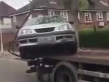 Ko dara nelīdzsvarots vadītājs, ja viņa auto tiek evakuēts?