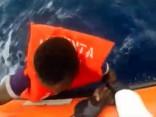 Šogad Vidusjūrā gājis bojā rekordliels skaits migrantu; šie ir daži no laimīgajiem, kuri izglābti