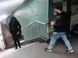 Очередное зверство в Германии: вот, что мигрант сделал с немкой в метро