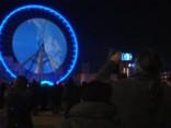 Tūkstošiem cilvēku Lionā bauda krāšņu gaismas šovu