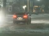 Oregonā sniega dēļ slēgtas skolas, apgrūtināta satiksme