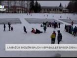 Limbažos skolēni bauda vispasaules sniega dienu