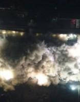 Iespaidīgi: Ķīnā  ar sprāgstvielu palīdzību desmit sekunžu laikā nojauktas 19 ēkas