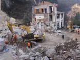 Nogruvumam aprokot viesnīcu Ķīnā, 12 bojāgājušie