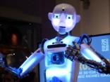 Londonas Zinātnes muzeja apmeklētājus sagaidīs runājošs robots
