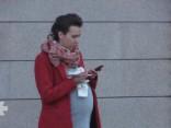 Эксперимент: Беременная девушка просит сигарету у прохожих