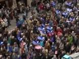 Barselonā demonstranti prasa Spānijā uzņemt vairāk bēgļu