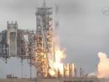 «SpaceX» veiksmīgi palaidusi nesējraķeti «Falcon 9» ar bezpilota kravas kuģi