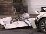Ņūdžersijā apdzīvotā vietā nogāzusies maza lidmašīna; cietis tikai pilots