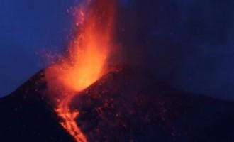 Atkal aktivizējies vulkāns Etna