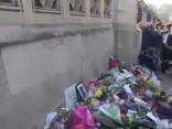 Полицейские в Лондоне возложили цветы на месте теракта