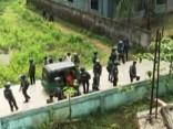 Bangladešas desantniekiem ieņemot islāmistu slēptuvi, sprādzienos nogalināti seši cilvēki