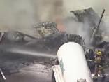 Autoavārijas izraisīts ugunsgrēks paralizē Losandželosas satiksmi