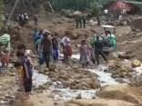 Bangladešā ciklons licis pamest mājas simtiem tūkstošu cilvēku