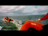 """Латвийские """"Спасатели Малибу"""" рассекают на лодках"""