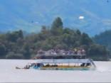 Kolumbijā nogrimstot tūristu kuģim, deviņi cilvēki gājuši bojā un 28 pazuduši