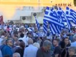Tuvojoties karstuma vilnim, streika dēļ saasinās atkritumu krīze Atēnās