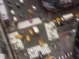 Desmitiem tūkstoši bišu «ieņēmušas» debesskrāpi Ņujorkā