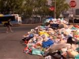 Miskaste uz ielām un atkritumu krīze Atēnās