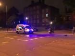 Londonā vairākiem cilvēkiem ielej sejā skābi