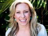 ASV policija mīklainos apstākļos nošauj sievieti no Austrālijas