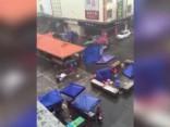 Baisi skati: Ķīnā vētra plosa pilsētu
