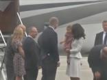 Karaliskais pāris ar bērniem ierodas Polijā