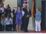 Karaliskā ģimene ierodas Berlīnes lidostā