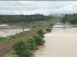 Japānā plūdu dēļ evakuē vairāk nekā 21 000 cilvēku