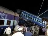 Vilcienam Indijā nobraucot no sliedēm, gājuši bojā vismaz 23 cilvēki