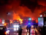 Noskaties: Čīlē aizdedzinātas 18 kravas automašīnas